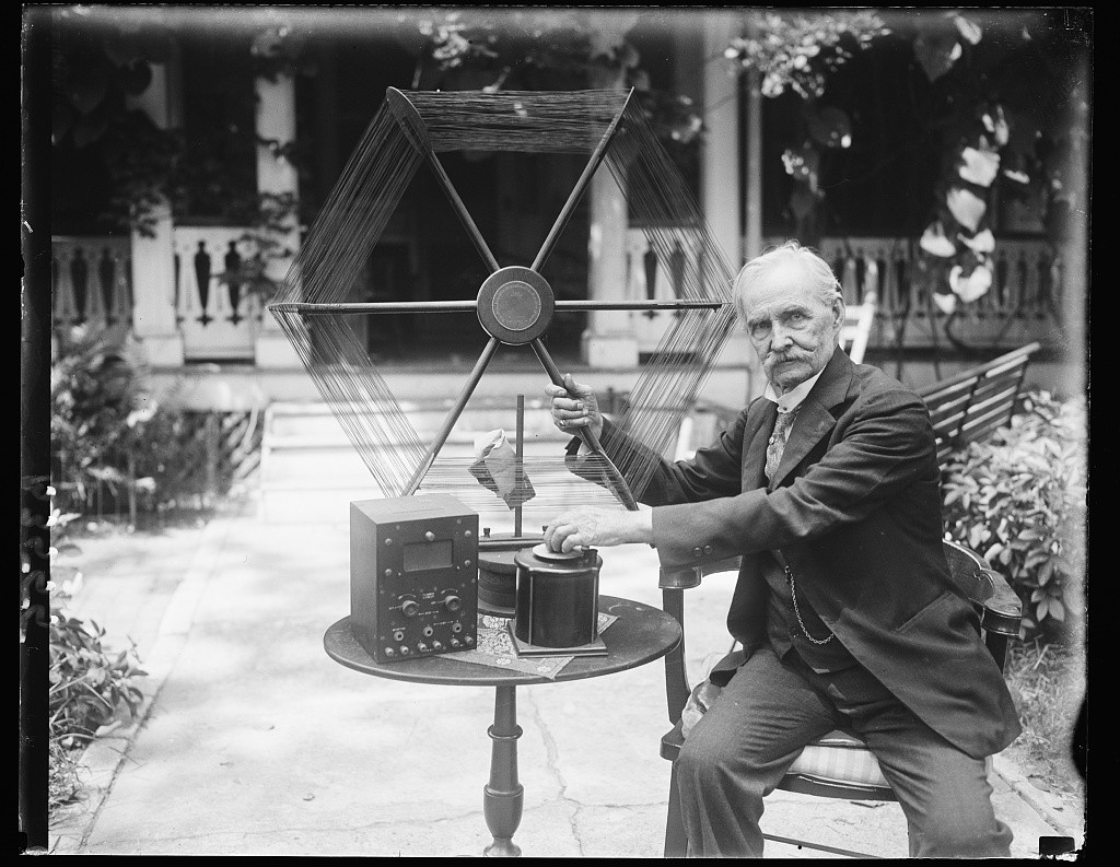 A Veteran Inventor. Prints and Photographs Online Catalog. Library of Congress. http://www.loc.gov/pictures/resource/hec.35509/